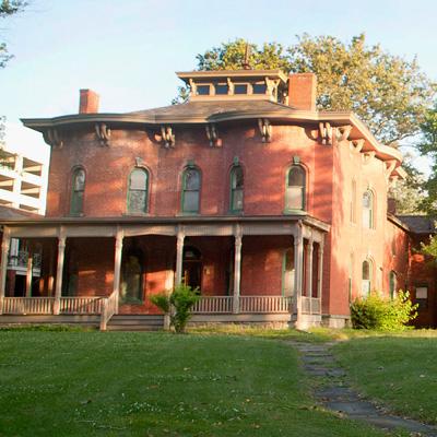 Cozad-Bates House Exterior